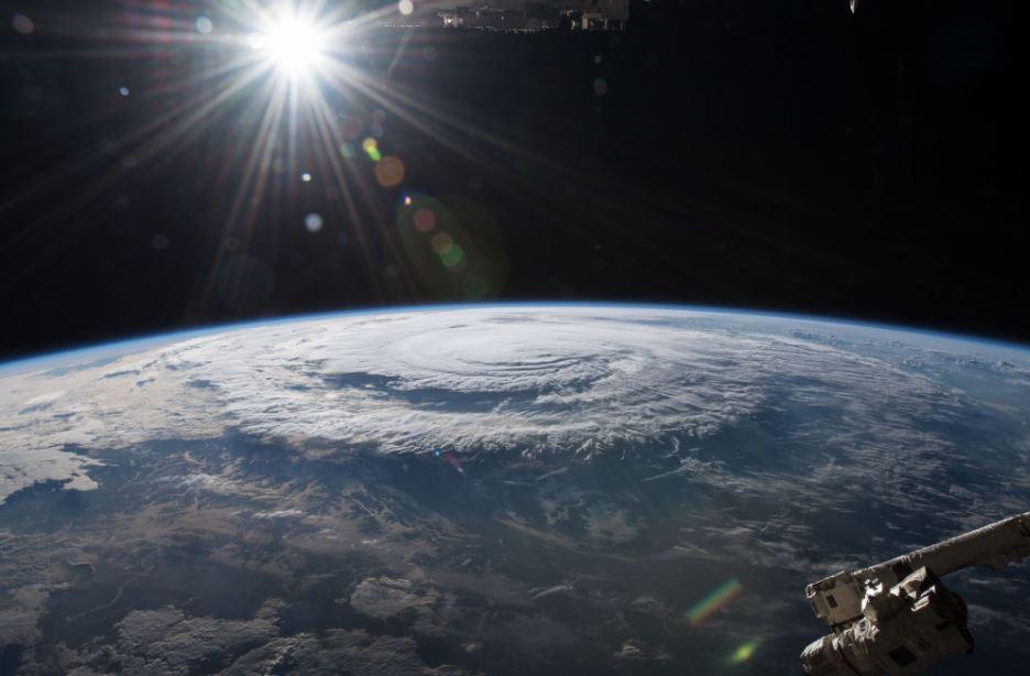 إعصار فلورنس بحسب كاميرات محطة الفضاء الدولية.