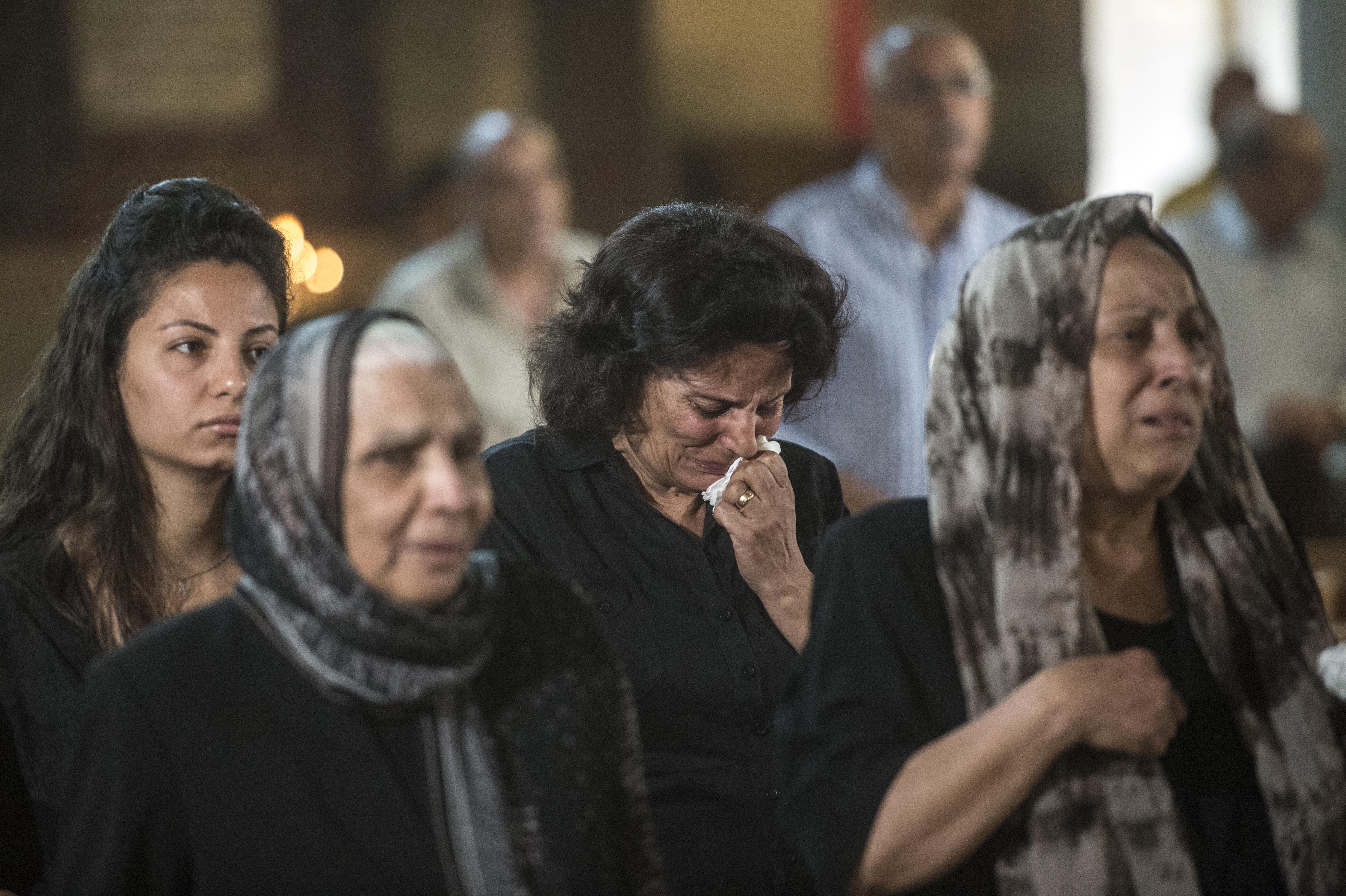 أهالي ضحايا هجوم كنيسة في القاهرة -2016