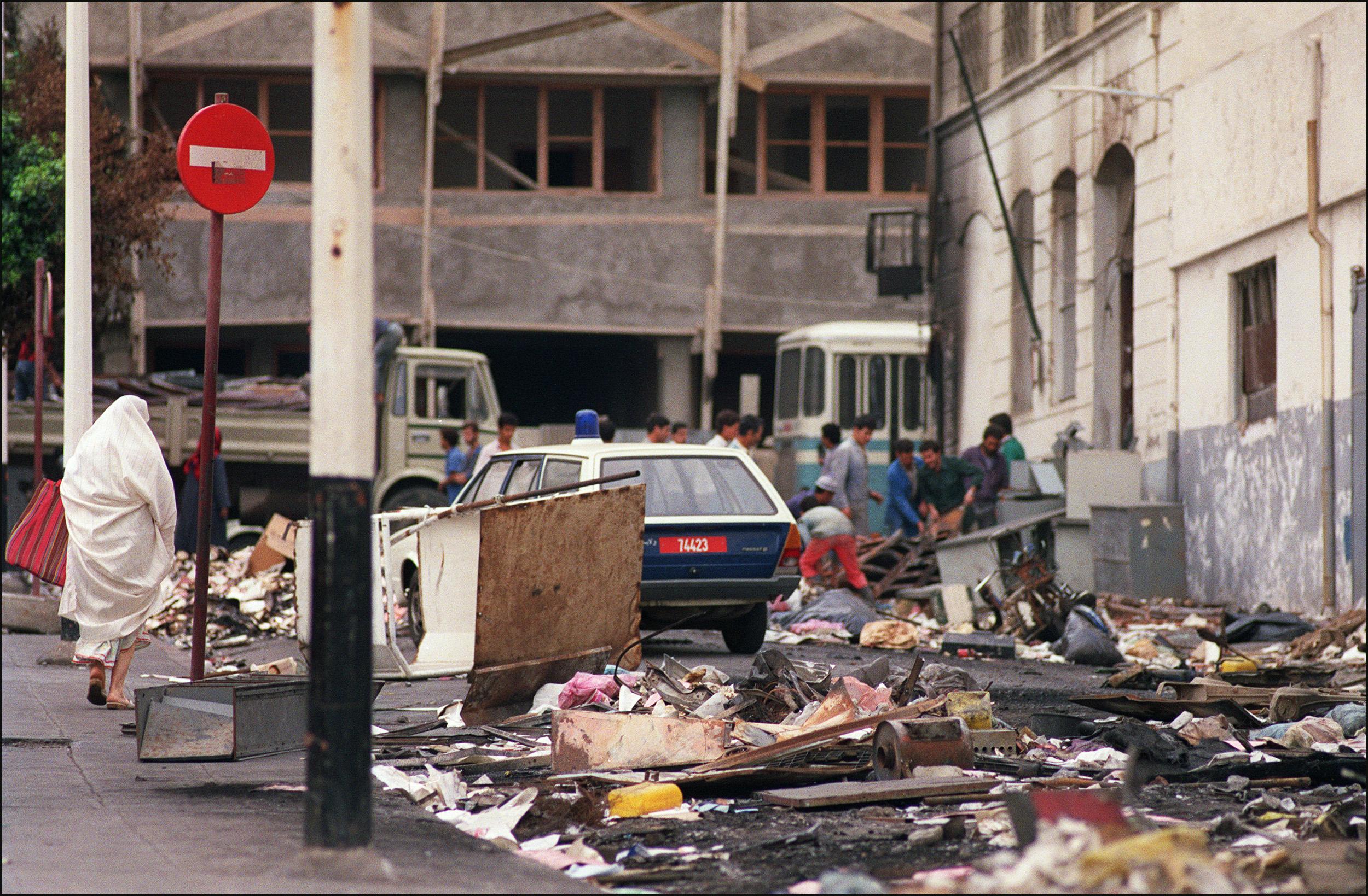 مخلفات أحداث 5 تشرين الأول/أكتوبر 1988 بالجزائر