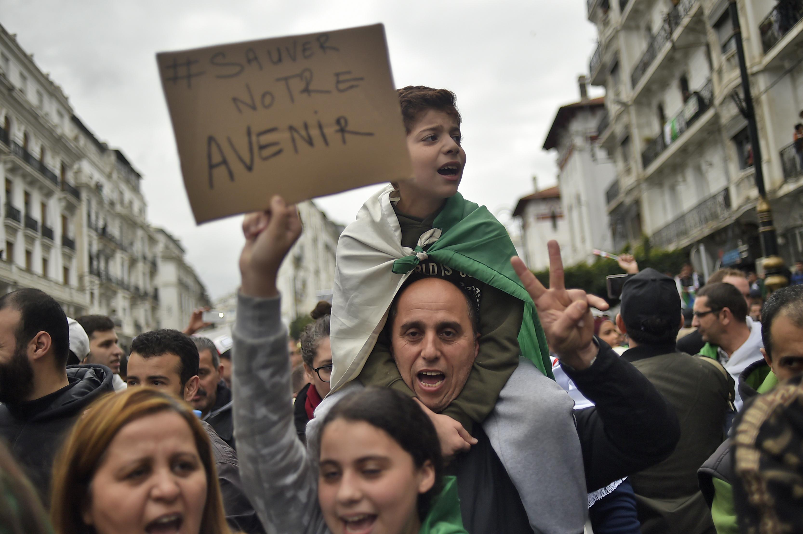 أنقذوا مستقبل الجزائر