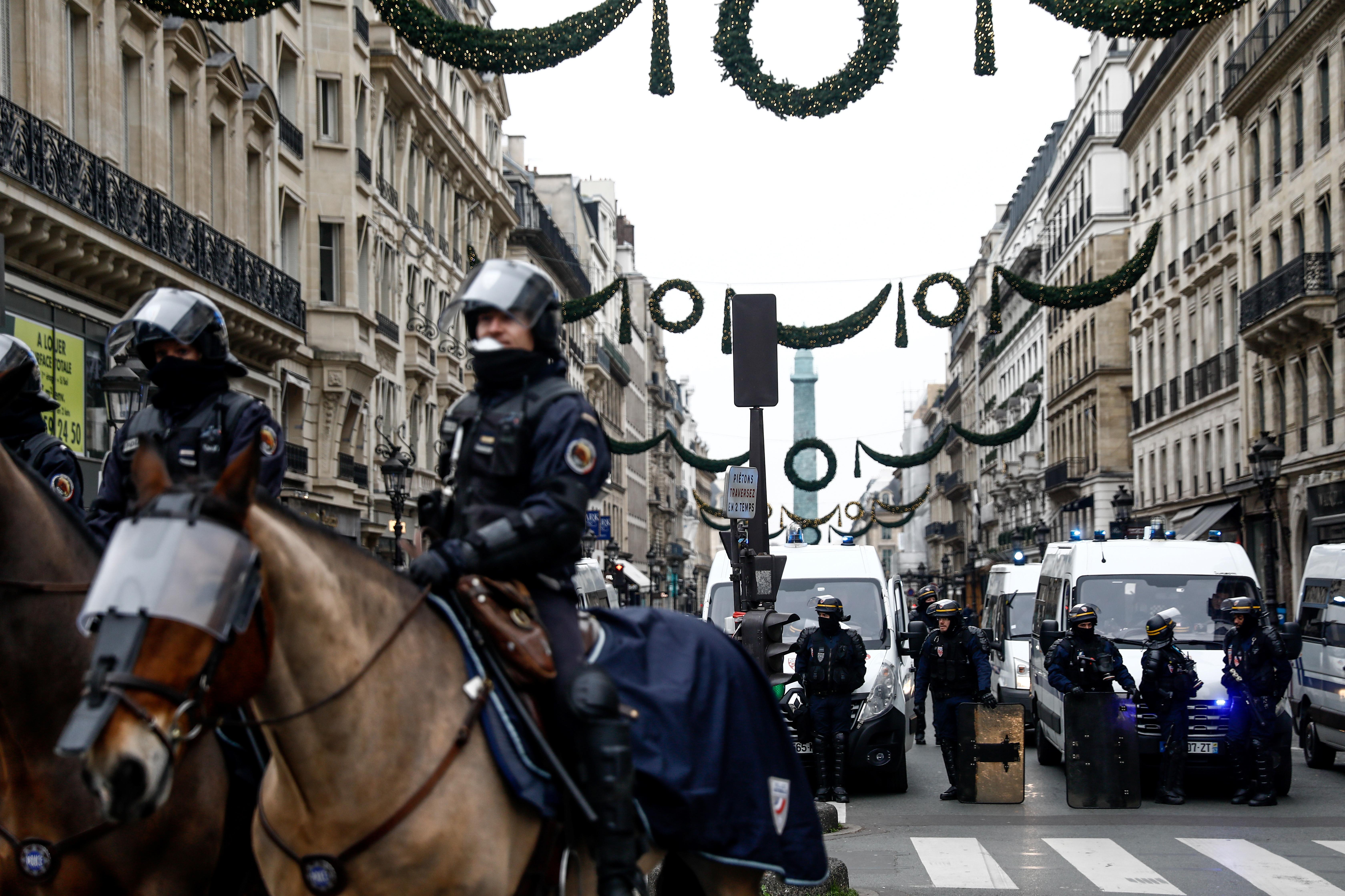 تأهب أمني استبق التظاهرات وأغلقت العديد من الشوارع من قبل الشرطة