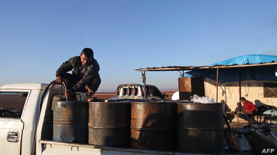 سيطر داعش على بعض أبار النفط في مناطق بسوريا. أرشيفية
