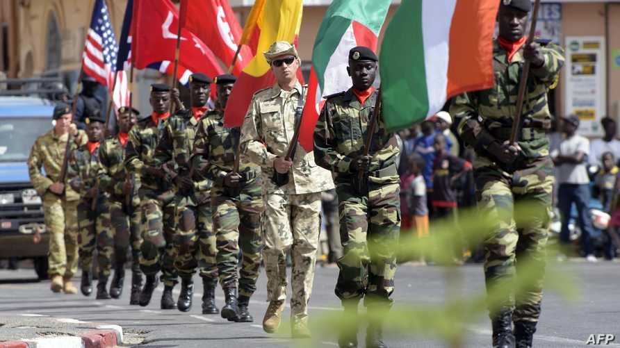 عرض عسكري خلال احتفال بمناسبة تدريبات عسكرية أميركية أفريقية مشتركة- أرشيف