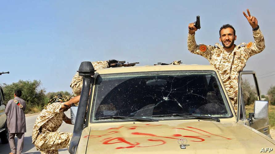 مقاتلون في القوات التابعة لحكومة الوفاق جنوب طرابلس