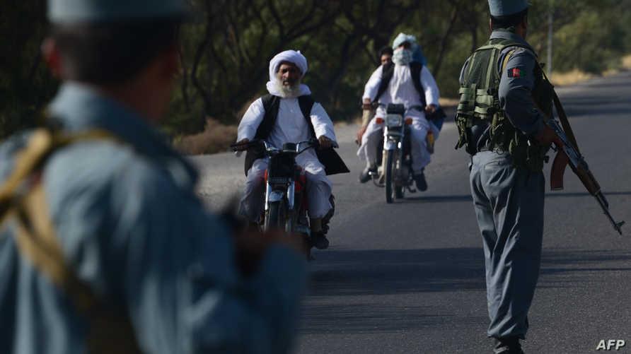 جنود أفغان عند إحدى نقاط التفتيش