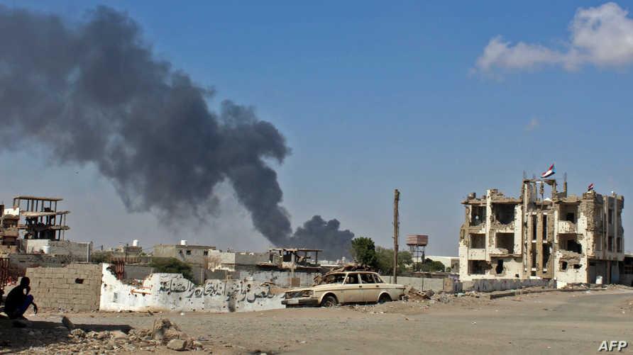 الدخان يتصاعد في عدن خلال مواجهات