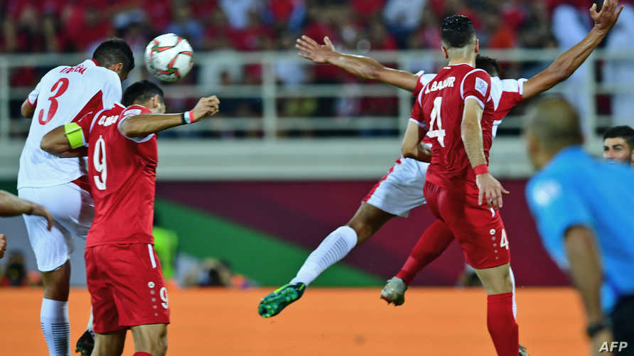 مهاجم سوريا عمر السومة خلال المباراة ضد الأردن
