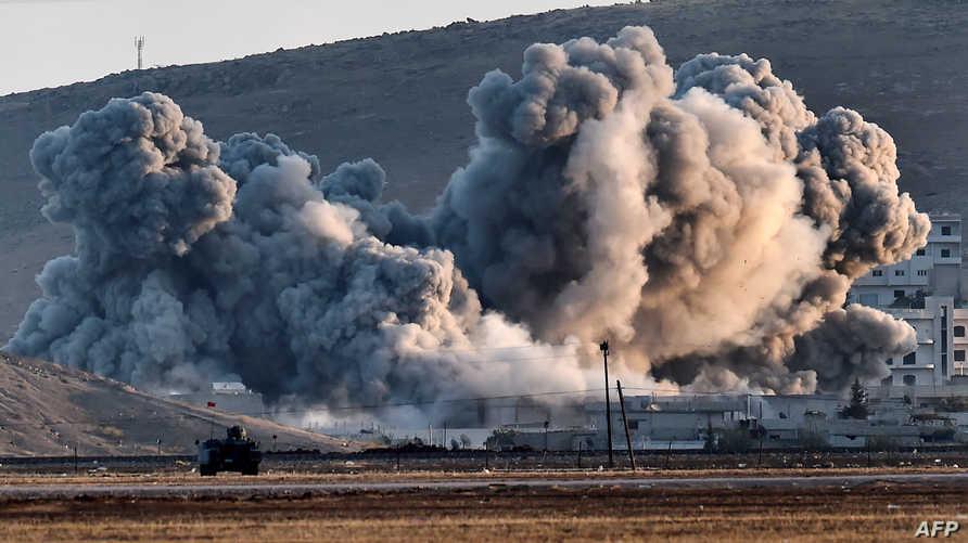 آثار القصف على كوباني - (أرشيف)