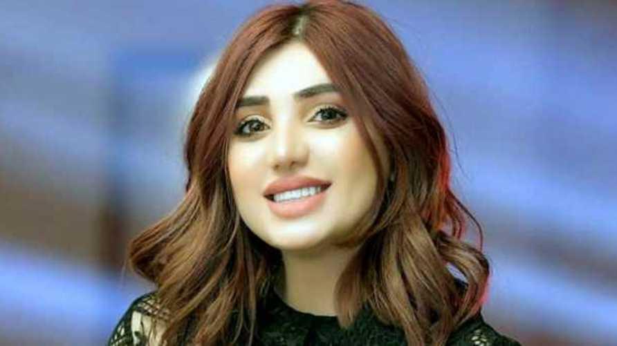 العارضة ووصيفة ملكة جمال العراق السابقة تارة فارس