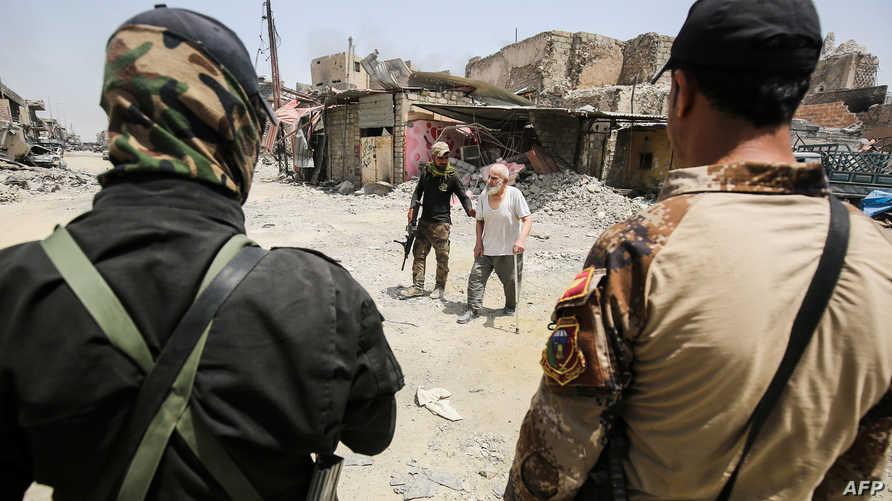 جنود عراقيون بالموصل القديمة