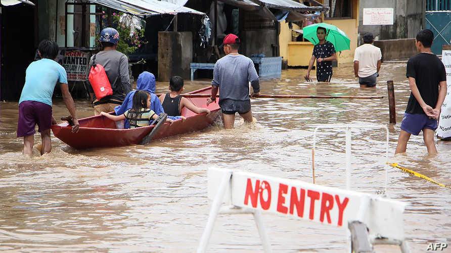 الفيضانات أغرقت الشوارع