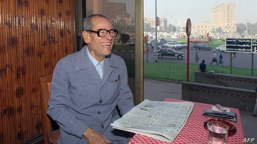 نجيب محفوظ في صورة تعود للعام 1988