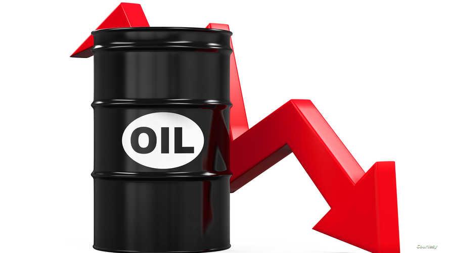 أسعار النفط تواصل التدهور