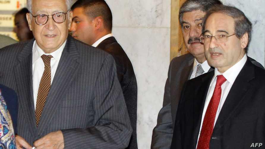 الأخضر الإبراهيمي مع نائب وزير الخارجية السوري فيصل المقداد