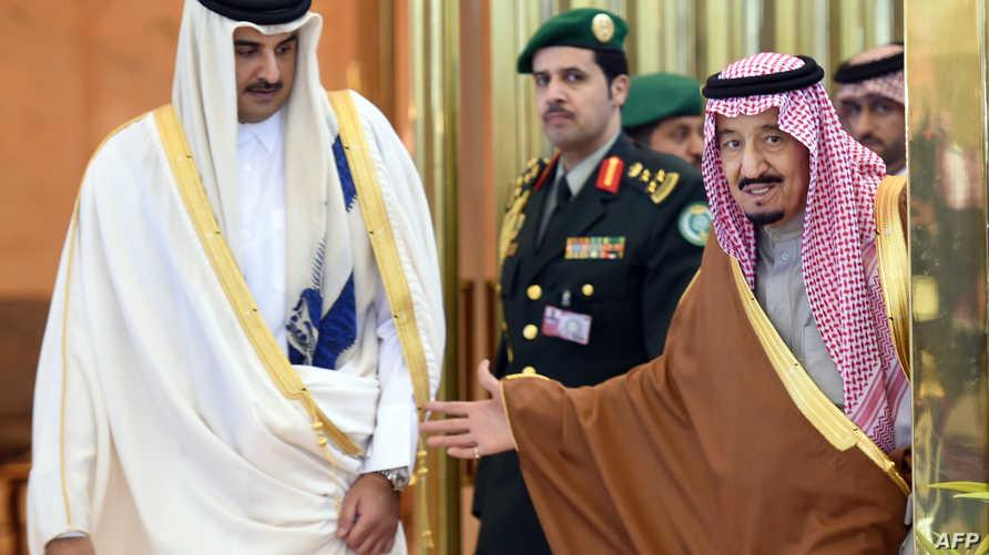العاهل السعودي سلمان بن عبد العزيز وأمير قطر تميم بن حمد - أرشيف