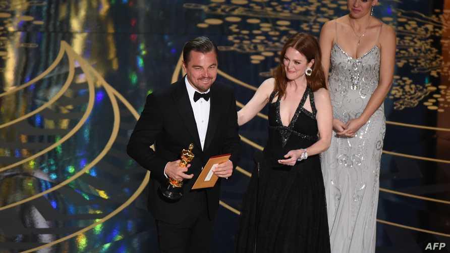 ليوناردو دي كابريو لحظة تسلمه جائزة الأوسكار