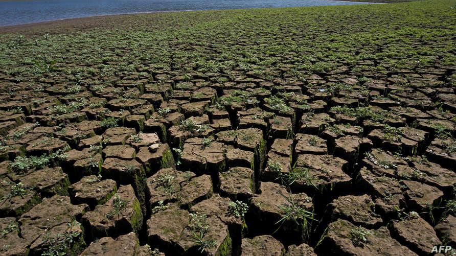 جفاف الأراضي نتيجة التغيرات المناخية