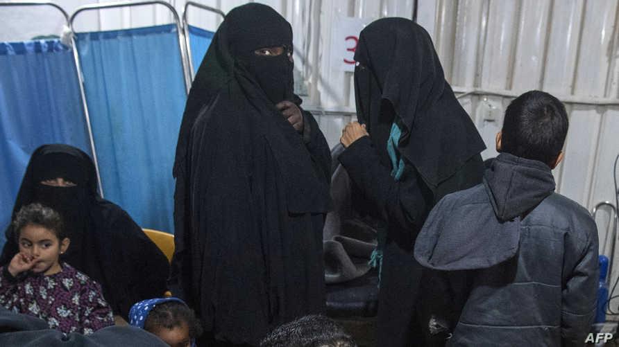 نساء وأطفال من أقارب عناصر في داعش في سوريا