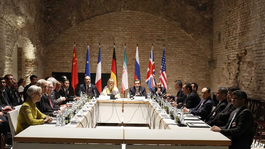 ممثلو الدول الست وإيران خلال أحد الاجتماعات المتعلقة بالاتفاق النووي- أرشيف