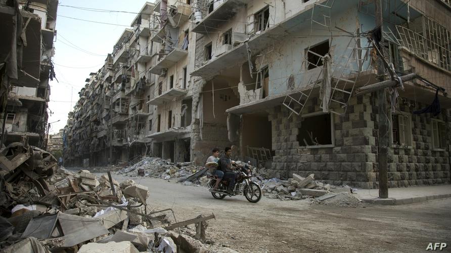 أحد شوارع حلب بعد القصف