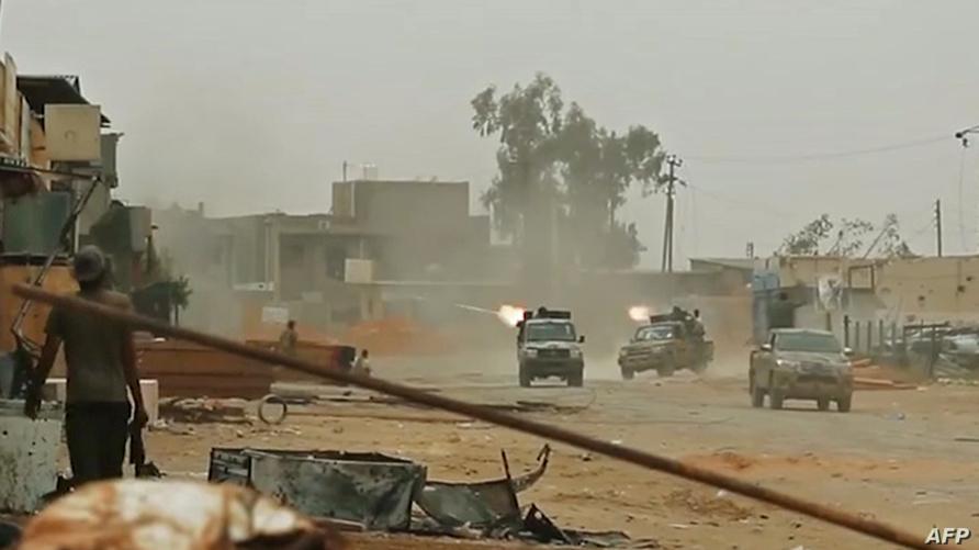 قوات تابعة لحفتر خلال مواجهات في ضواحي طرابلس