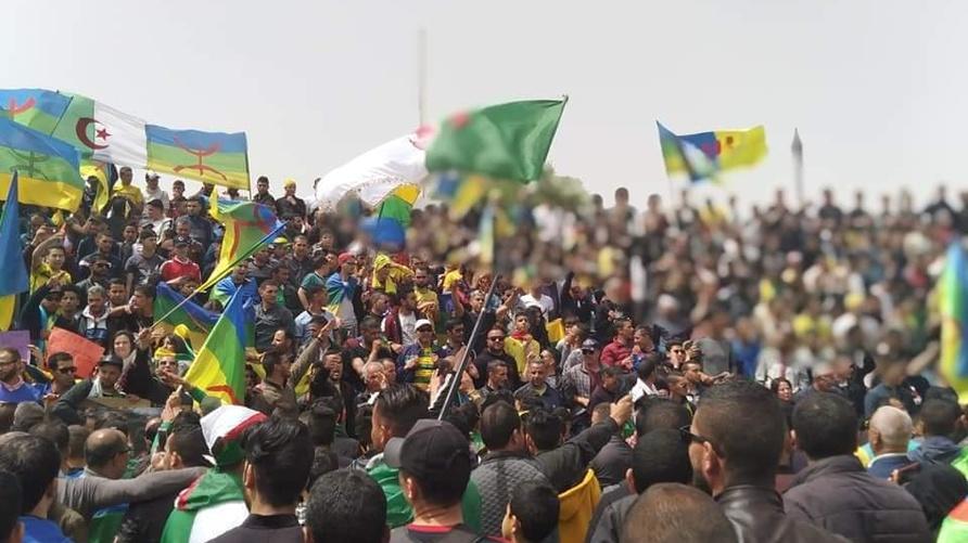 حراك الجزائر يسقط ورقة الطائفية