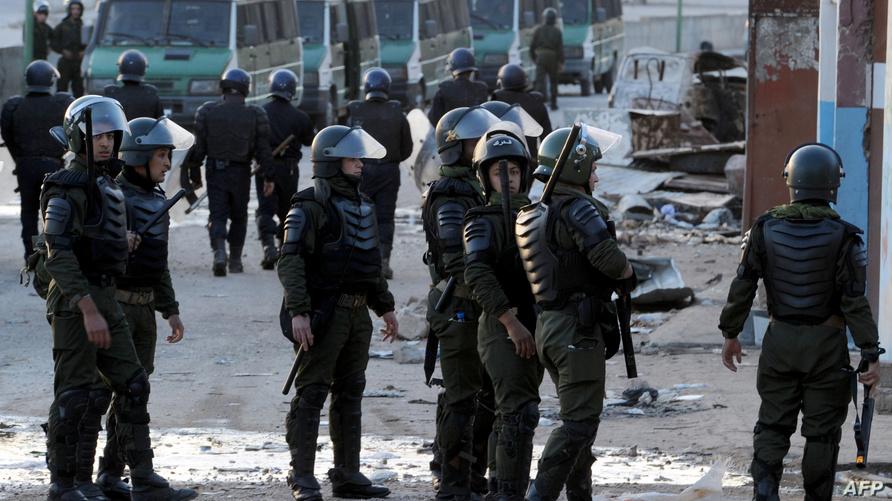 قوات أمن جزائرية خلال مواجهات في غرداية