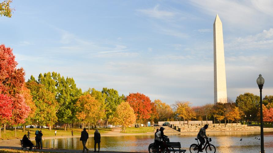 العاصمة الأميركية، واشنطن، خلال فصل الخريف