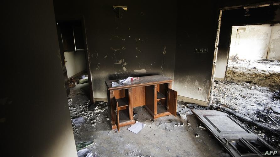 أثار الدمار داخل مقر القنصلية الأميركية في بنغازى عقب الهجوم عليها