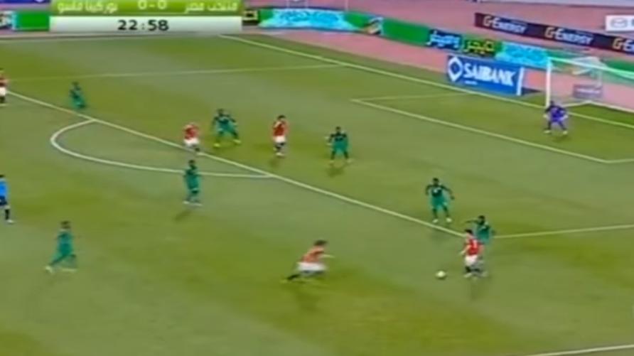 لقطة من مباراة سابقة بين منتخبي مصر وبوركينا فاسو