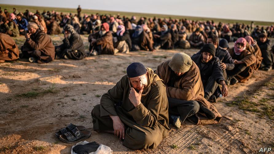 رجال فارون من الباغوز تتحقق قوات قسد من إمكانية انتمائهم لداعش