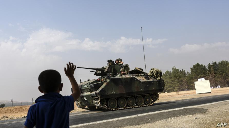 قوات تركية متجهة نحو الأراضي السورية