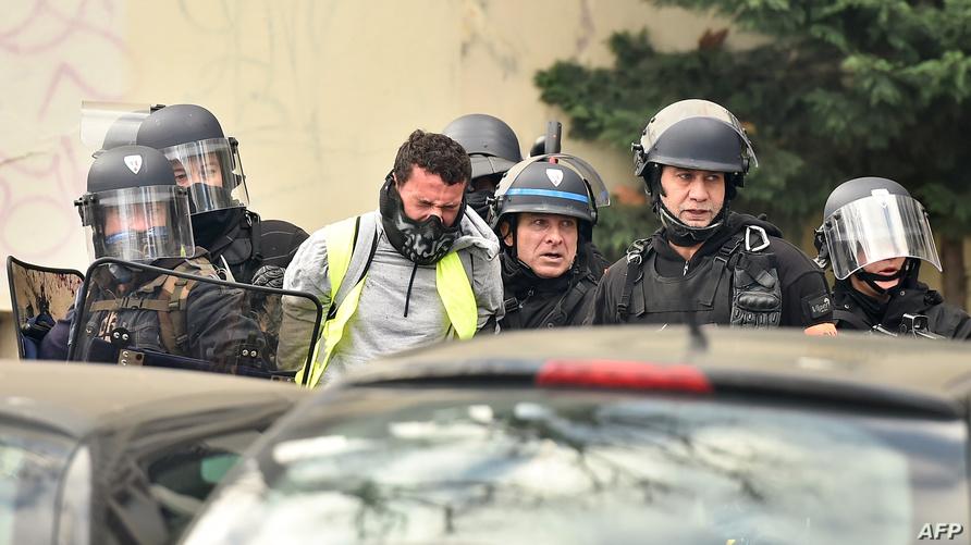 توقيف أحد المحتجين في مدينة تولوز جنوب فرنسا