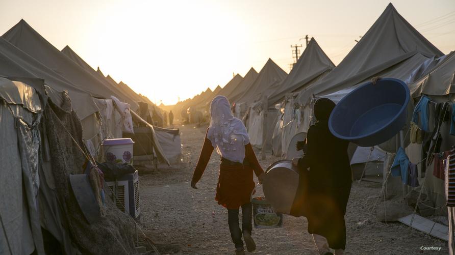 لاجئون في مخيمات النزوح