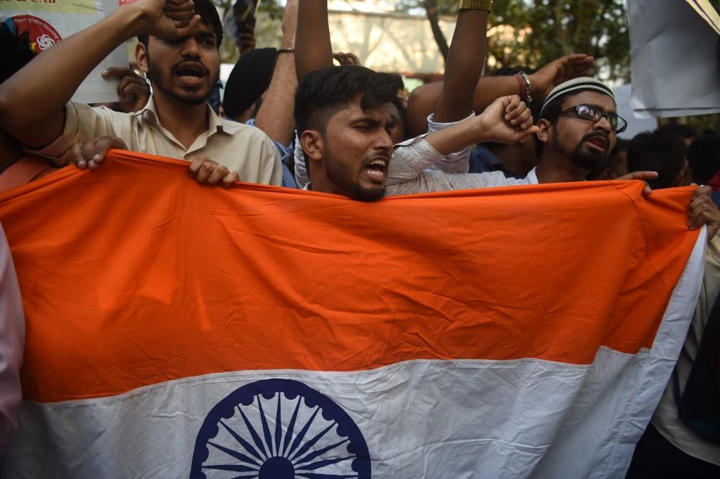 متظاهرون في جامعة مومباي ضد تعديلات قانون الجنسية الجديد