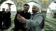 سيلفي من كل الأديان في الموصل