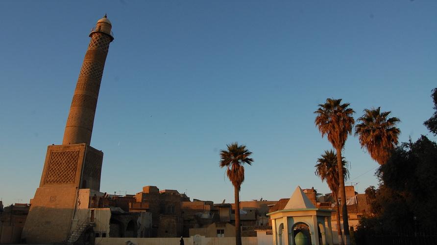 المنارة الحدباء في جامع النوري الكبير في الموصل قبل  تفجيرها /إرفع صوتك