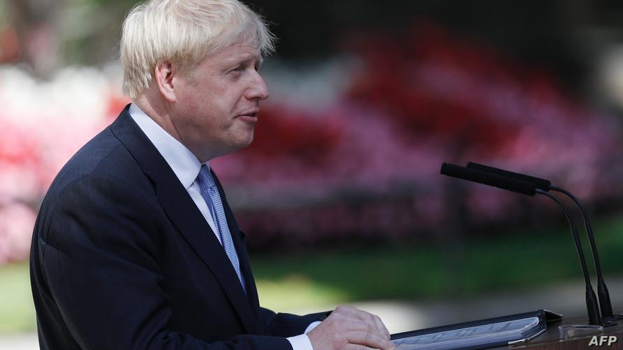 رئيس الوزراء البريطاني الجديد بوريس جونسون يلقي خطابا في لندن أثناء تسلمه منصبه