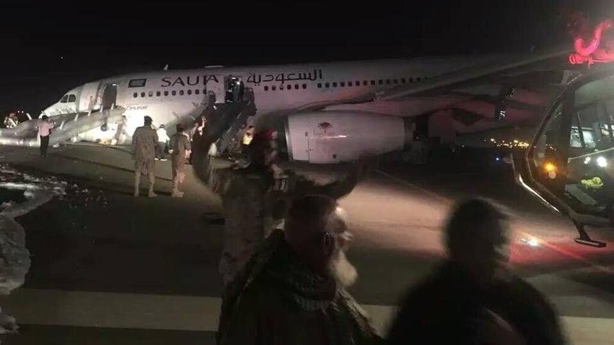 صورة تداولها مغردون سعوديون للطائرة بعد الهبوط الاضطراري