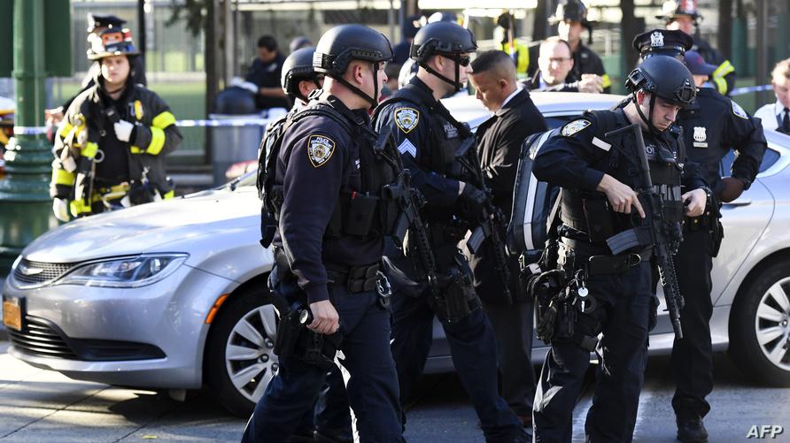 شرطة نيويورك في مكان الحادث