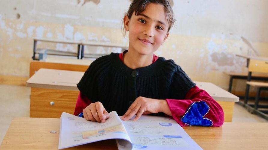 الطفلة راينا التي وردت قصتها في تقرير منظمة إنقاذ الطفل العالمية