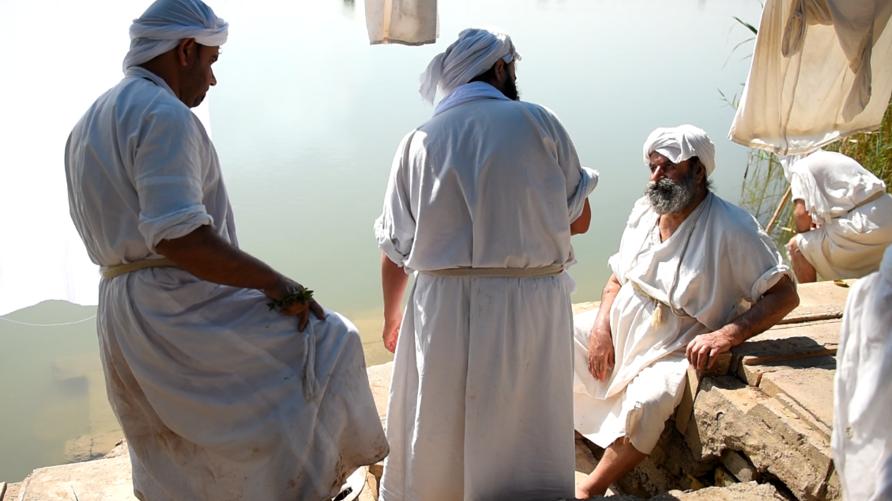 صابئة يمارسون طقوسهم في العراق/إرفع صوتك