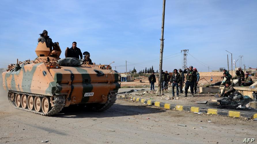 عناصر في قوات درع الفرات في مدينة الباب/وكالة الصحافة الفرنسية