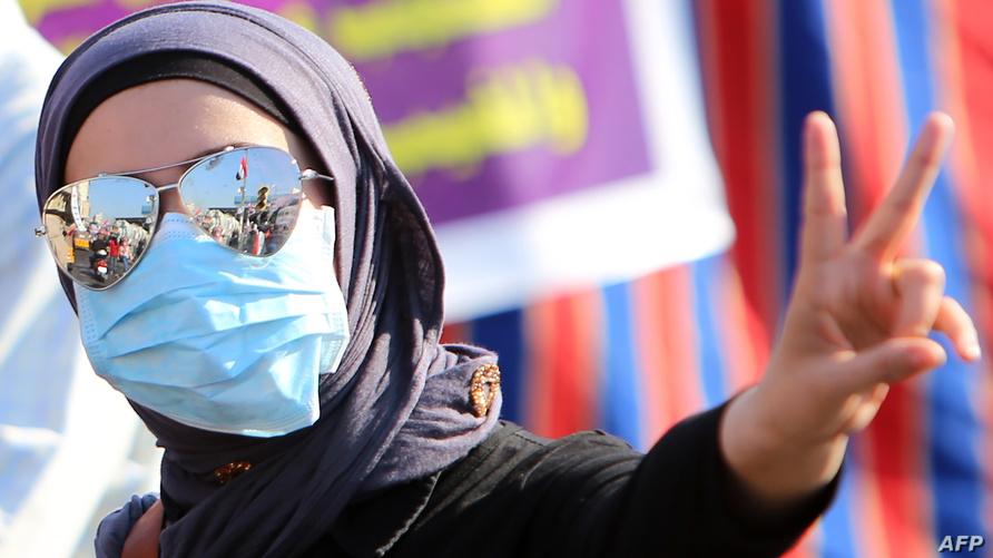 المتظاهرون في العراق يطالبون بإسقاط الطبقة السياسية.