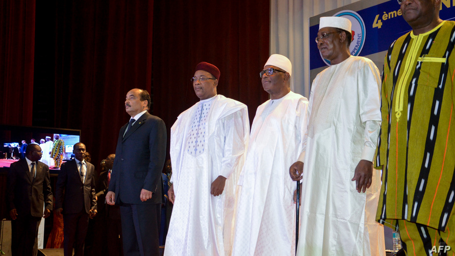 رؤساء دول الساحل الخمس في لقاء سابق في فرنسا