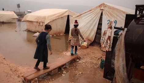 لاجئون سوريون في مخيم / صورة أرشيفية